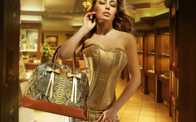 saribags Tasche Olivia Oro mit Model