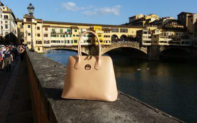 saribags Giulia Classic vor der Ponte Vecchio