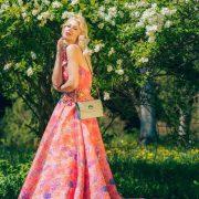 saribags Alice Classic mit Model Adelma Agic